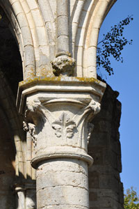 Abad a de fontainejean monasterios for Muebles abadia